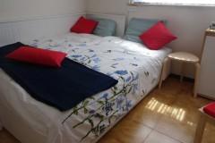 In de derde slaapkamer staat een 1+1 bed, zeer leuk voor de kinderen.