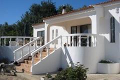 De hoofdingang van Vila Maria.