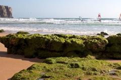 Windsurfen in de Algarve, voor een leuke bries en golven op naar Portugal.