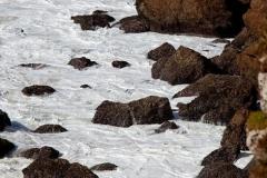 De zee en de rotsen, de Algarve in Portugal.