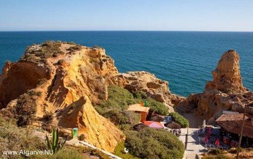 Eén van de vele plaatsen waar touristen komen in de Algarve.