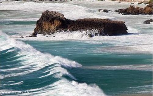 Voor windsurfen en kitesurfen o.a. is de Algarve een perfecte bestemming.